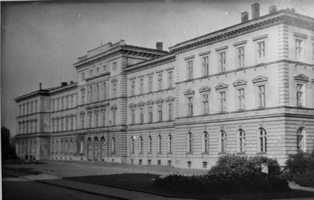 Główny budynek PIRR w Bielsku